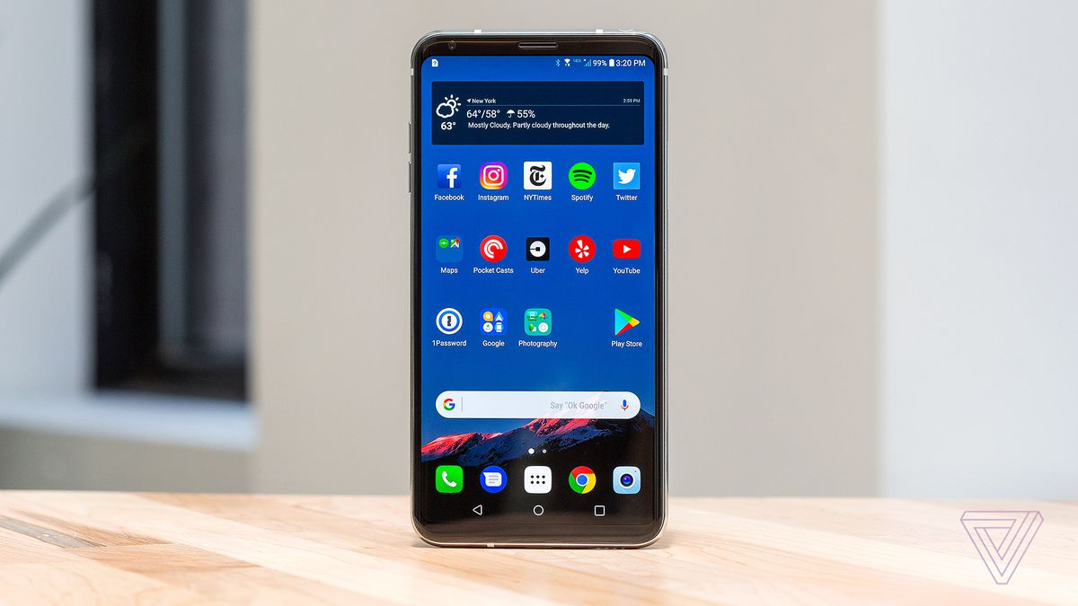 LG V30 Smartphone Makes Its Debuts To The US