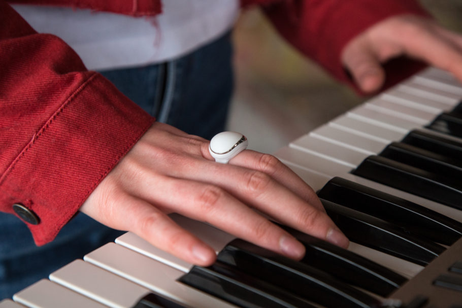 ENHANCIA LAUNCHED NEOVA ON KICKSTARTER, A MIDI RING CONTROLLER