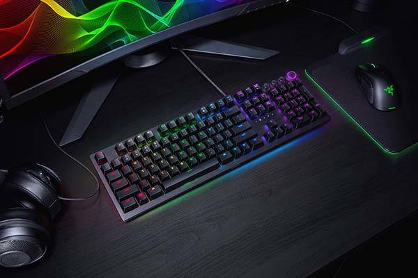 You can personalize your Huntsman keyboard with Razer's customizable Chroma lights
